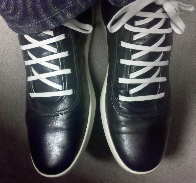 Black Zuriick shoes with white trim and white Sawtooth Lacing (from Haas)
